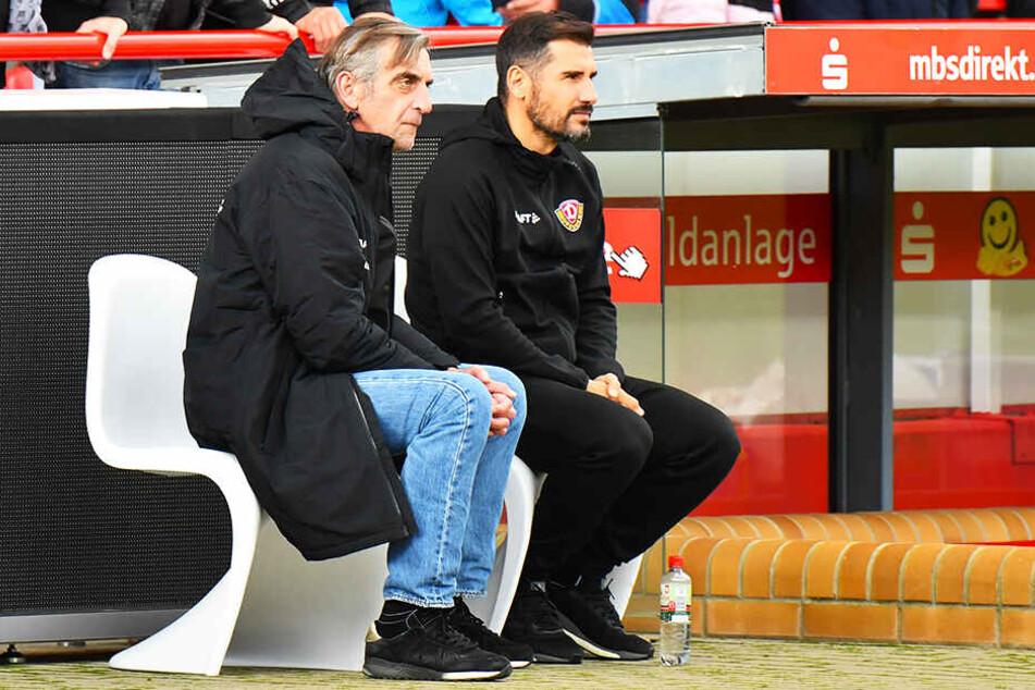 Ralf Minge hat seinem Coach Cristian Fiel eine Jobgarantie ausgesprochen.