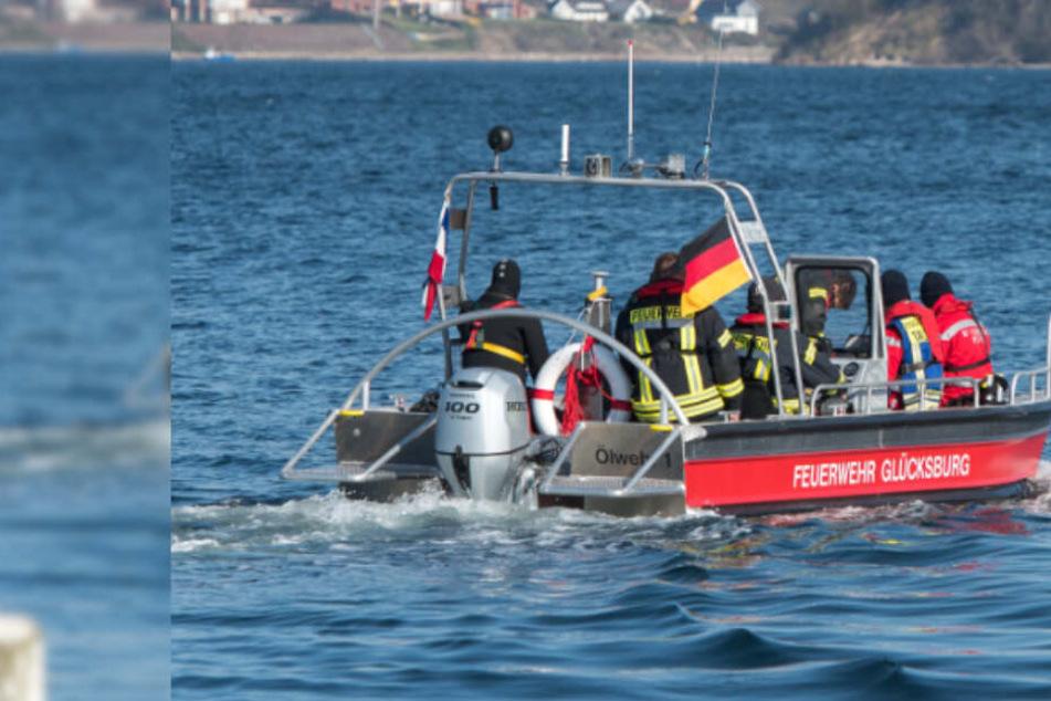 Bootsausflug endet in Tragödie: Eine Person stirbt, Polizei stellt Suche nach Vermisstem ein