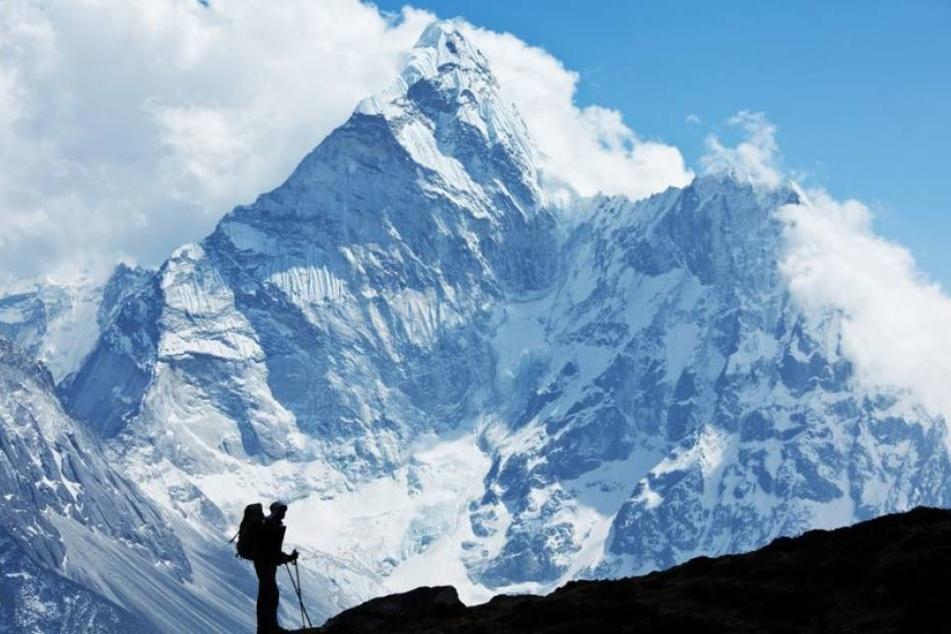 Für viele Wanderer ist der Mount Everest eine Herausforderung, die auch tödlich enden kann. (Symbolbild)