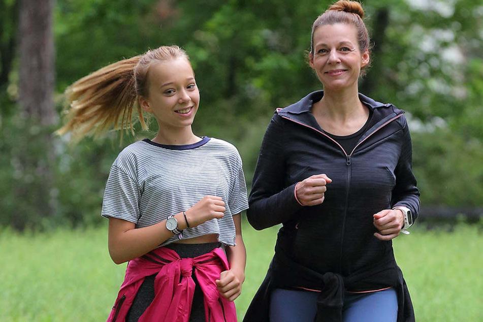 Mirjam Köfer (45) und ihre Tochter Emilia (12).
