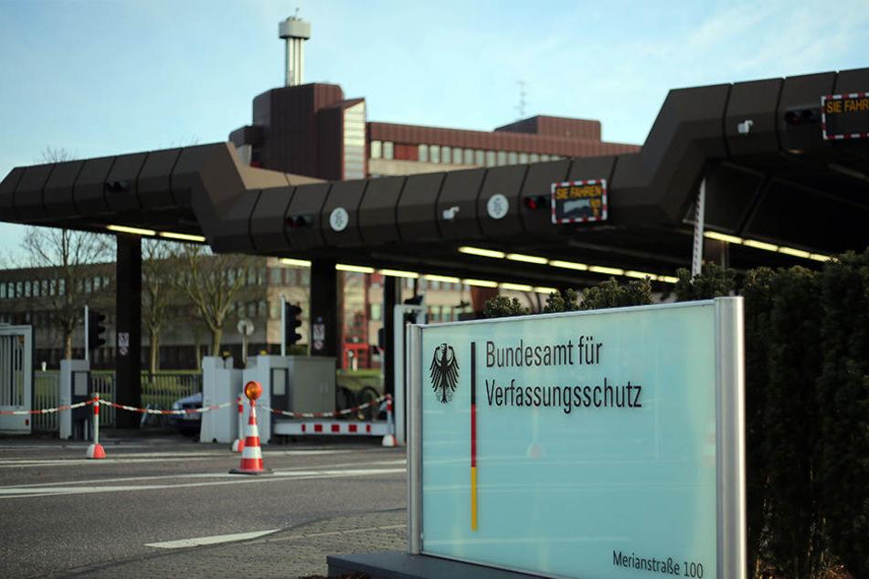 Das Bundesamt für Verfassungsschutz warnt vor der wachsenden Salafisten-Szene in Deutschland.