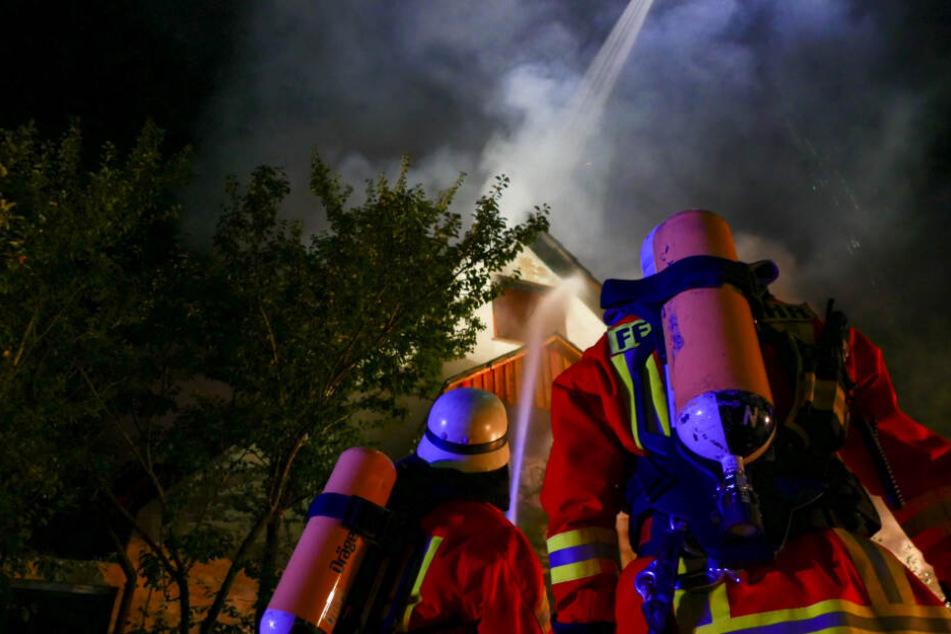 Einfamilienhaus brennt gleich zwei Mal ab!