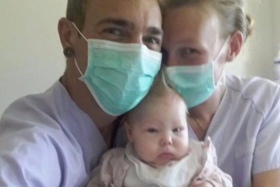 Die kleine Yuna ist in ihrem Jungen Alter schon an Leukämie erkrankt.