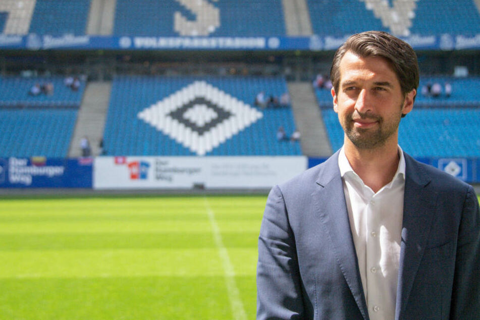 HSV-Sportvorstand Jonas Boldt schließt einen neuen Stürmer nicht aus.