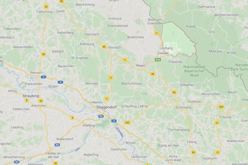 Bei Lindberg in Bayern ist es zu einem schweren Verkehrsunfall gekommen.