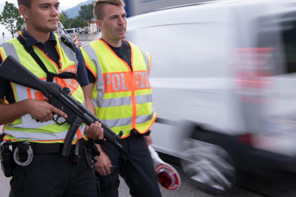 Die neue bayerische Grenzpolizei nimmt ihre Arbeit offiziell auf. (Symbolbild)