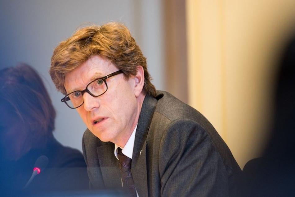 Engelbert Daldrup Lütke (62) bei einer Sitzung im Berliner Abgeordnetenhaus. (Archiv)