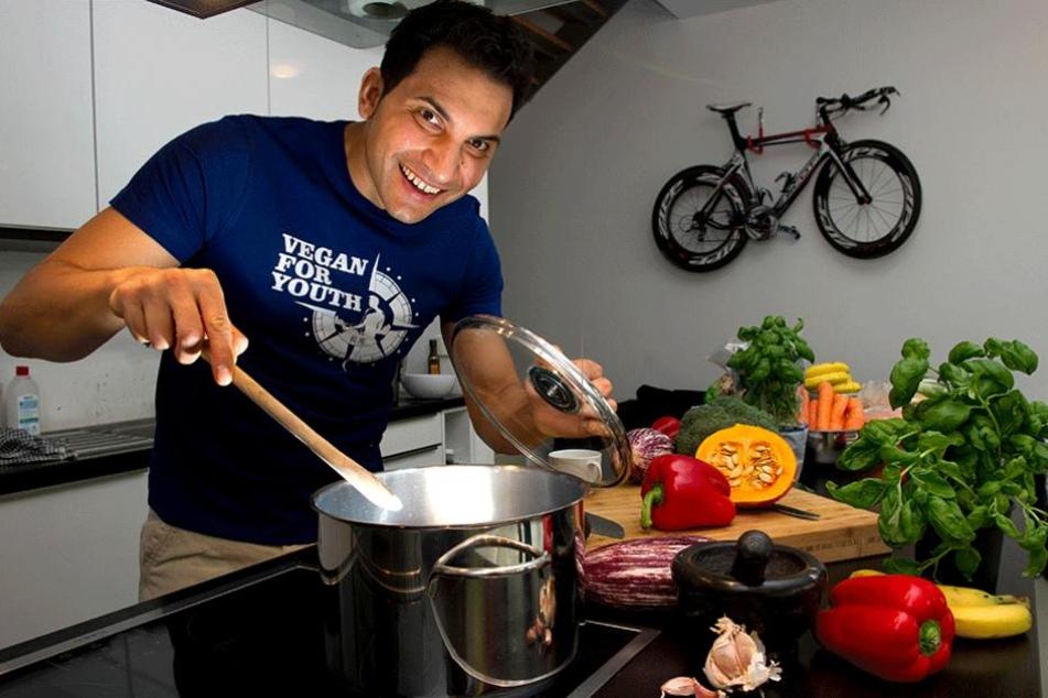 Attila Hildmann (36) revolutionierte den veganen Livestyle in Deutschland.