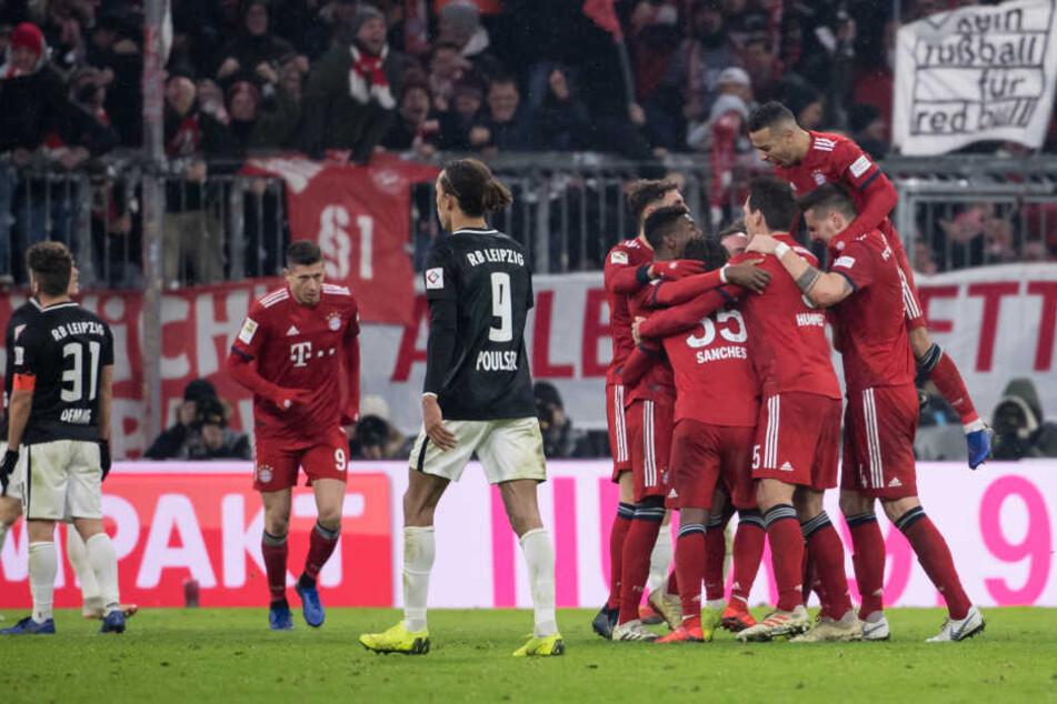 Der FC Bayern hat das wichtige Heimspiel gegen RB Leipzig mit 1:0 gewonnen.