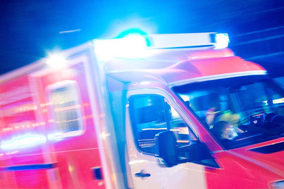 Fahrerflucht: Motorradfahrer (43) schwer verletzt zurückgelassen