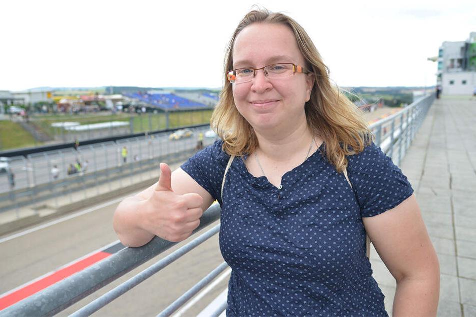 Susann Müller (31) durfte Filmstar Michael Fassbender (42) auf dem Sachsenring persönlich treffen.