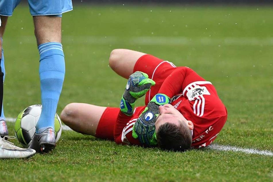 Bei einem Zusammenprall mit Timo Mauer verletzte sich Kevin Kunz.
