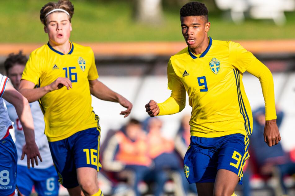 Emil Roback (r.) sorgt in Schweden für Aufsehen - und steht auf dem Wunschzettel mehrere Vereine.