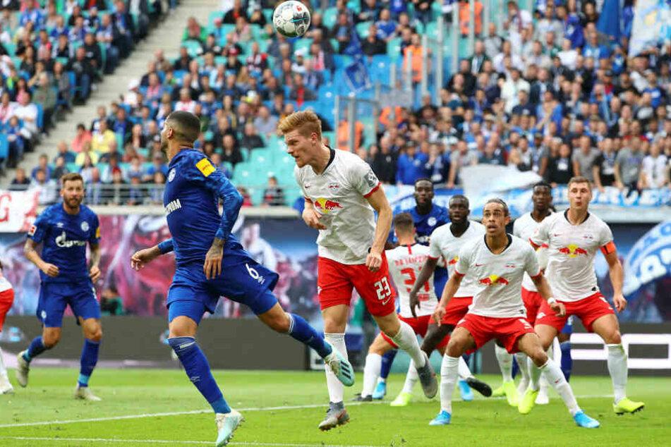 In der Hinrunde verlor RB Leipzig das Heimspiel gegen S04 mit 1:3.