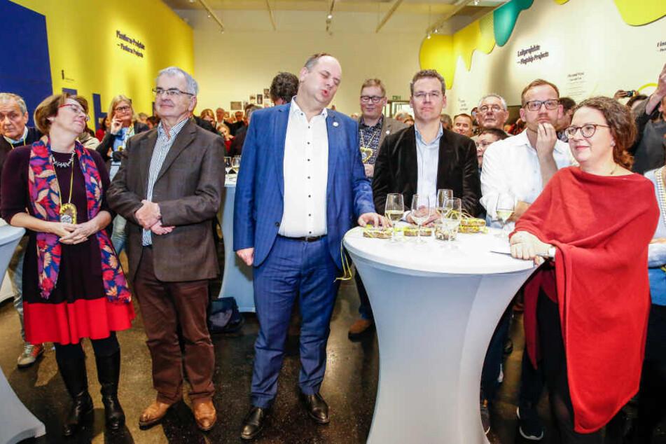 Lange Gesichter, als Dresden aus dem Rennen ausschied. Jetzt geht es um die Zukunft von Mitarbeitern und Projekten.