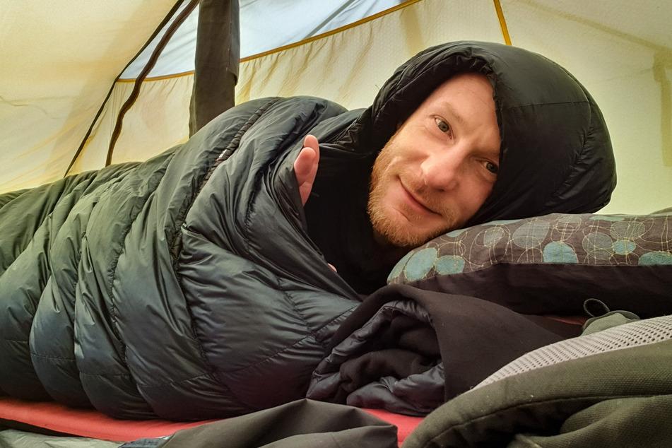Verzichtet gern auf Bequemlichkeit: Fast jede Nacht schlief Enno Seifried in seinem Zelt.