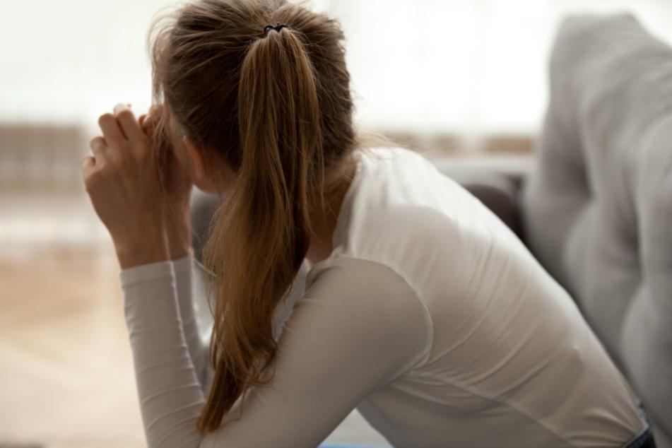 Corona-Krise: Warum sich vor allem Frauen und Jüngere einsam fühlen