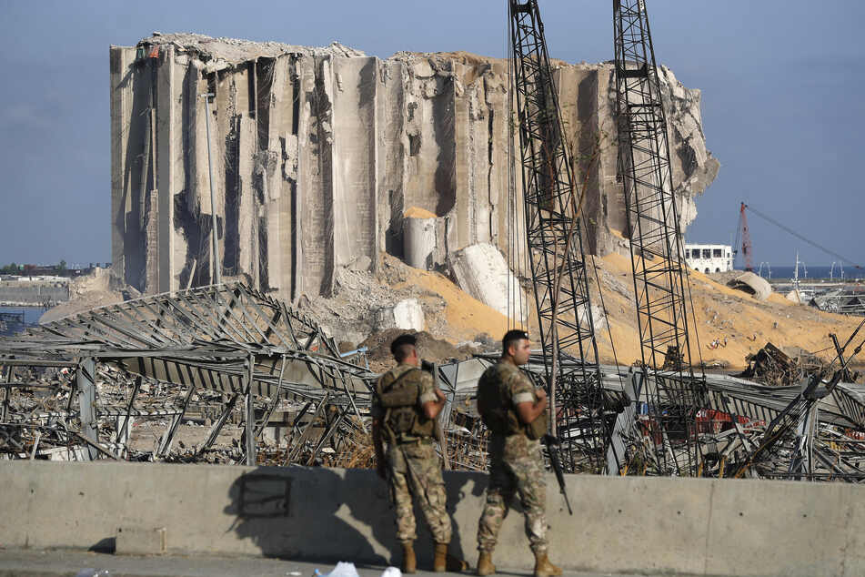 Schreckliche Explosion in Beirut: 16 Hafenmitarbeiter festgenommen