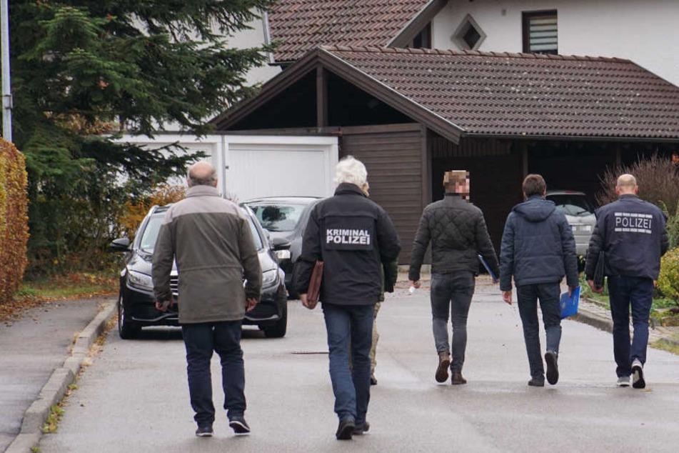 Seit der Nacht waren Polizeibeamte in Bad Boll unterwegs.