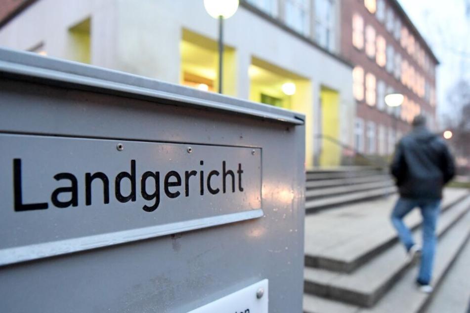 Die Ex-Verlobte sagte vor dem Kieler Landgericht aus.