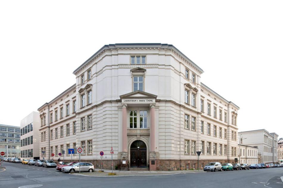Am Uniklinikum Leipzig wurde die siebenstündige Operation durchgeführt.