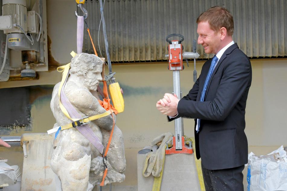 Zwei Große vis-à-vis: Herkules und Ministerpräsident Michael Kretschmer (45, CDU).