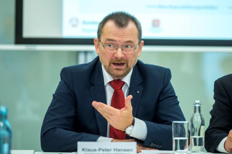 Sachsens Arbeitsagentur-Chef Klaus-Peter Hansen (53) wirbt dafür, dass Jugendliche auch unbekanntere Berufe ins Auge fassen.