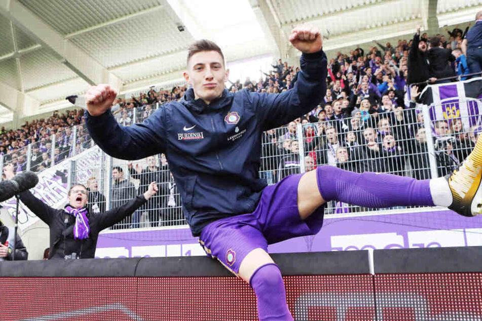 Der Mann des Spiels durfte sich zurecht feiern lassen: Mario Kvesic schoss gegen Regensburg das Tor des Tages.