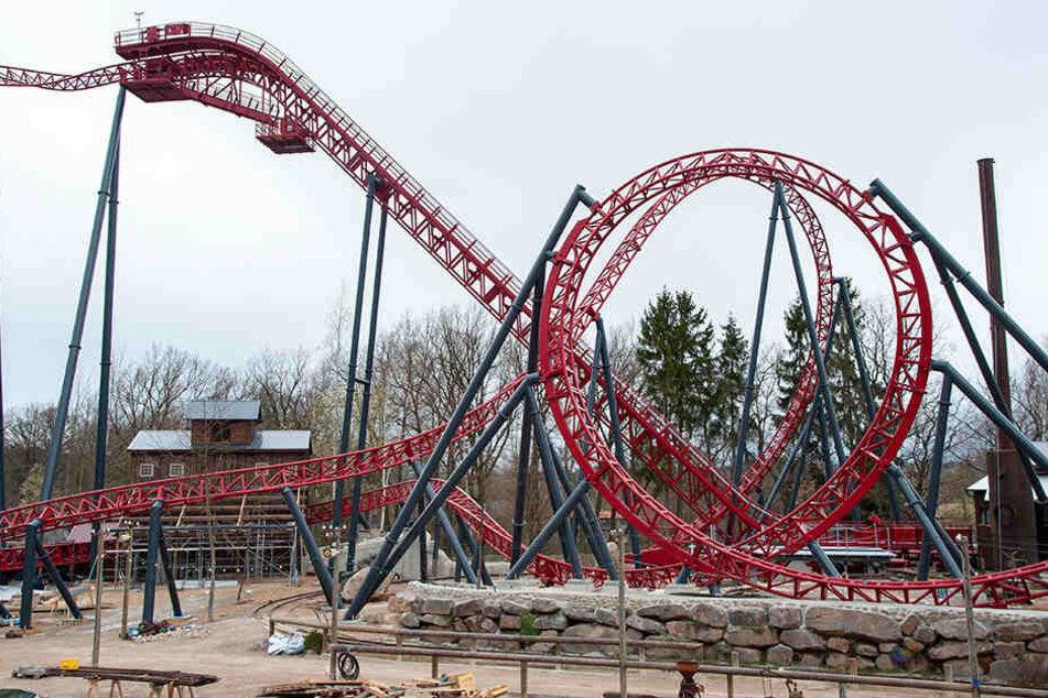 """Die neue Achterbahn """"Dynamite"""" wird am Sonnabend im Freizeitpark Plohn für Besucher freigegeben."""