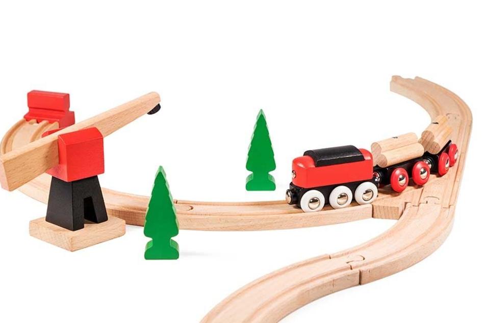 Dann doch lieber mit der Holzeisenbahn spielen.
