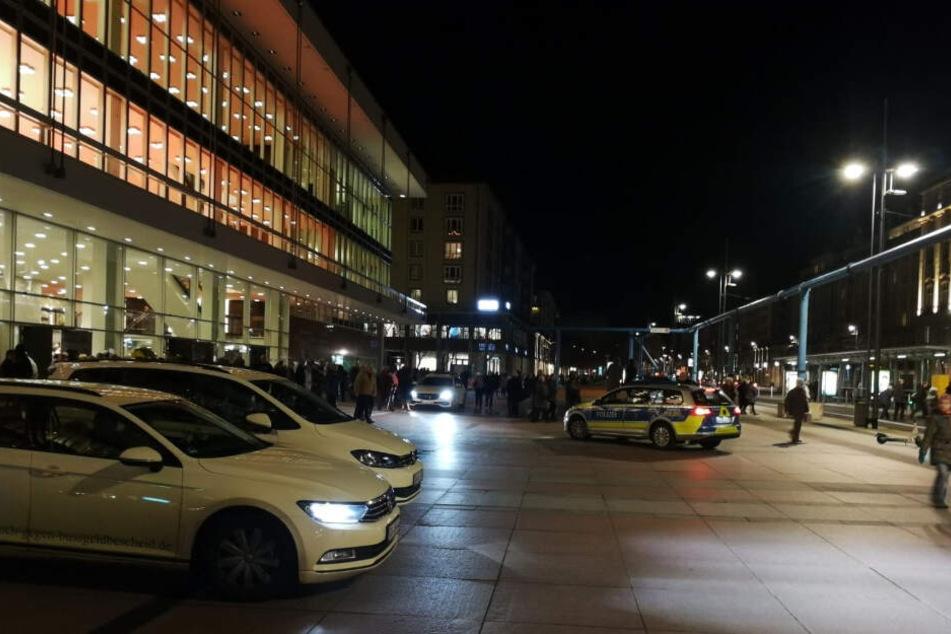Die Polizei erwischte noch drei der Pöbler am Samstagabend in der Herkuleskeule.