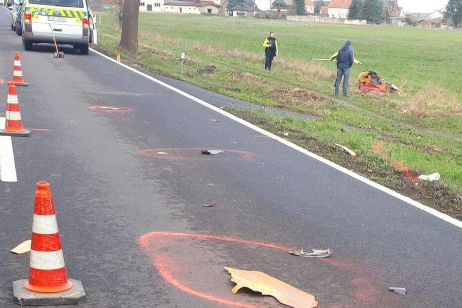 Tragischer Unfall: Autofahrer überholt Autos und rammt Liegerad, Radler tot