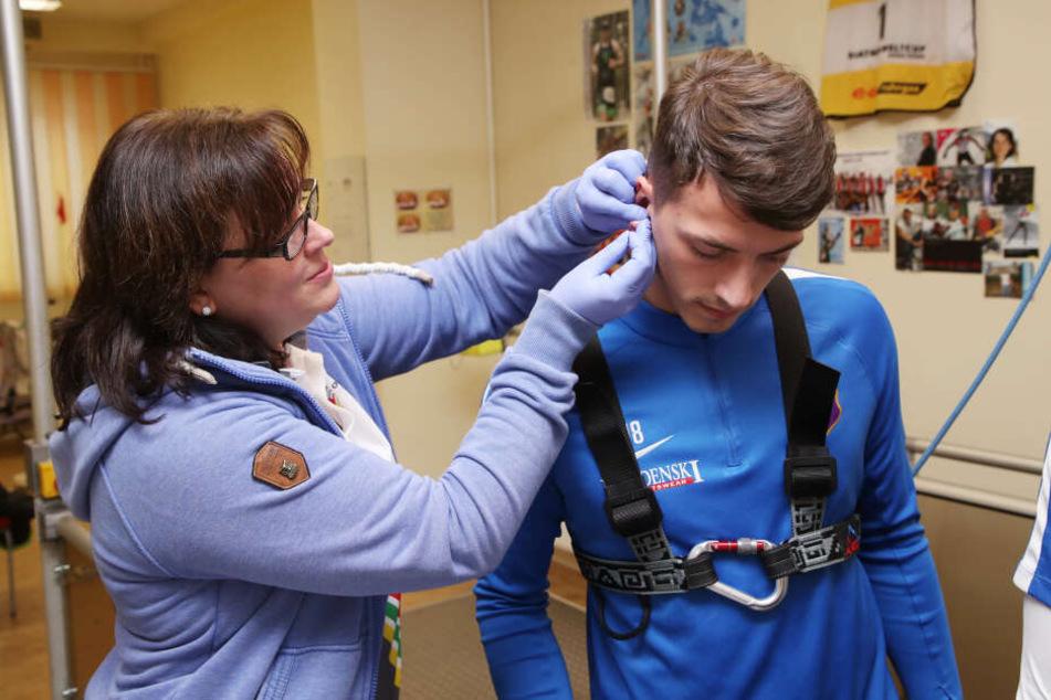 Vor dem Abflug ins Trainingslager war Nicolai Rapp auch beim Laktattest dabei.