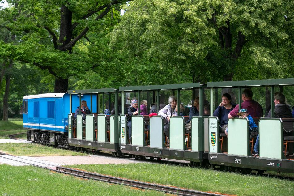 Nach der coronabedingten Pause fährt die Parkeisenbahn wieder.