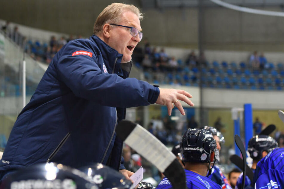 Eislöwen-Coach Franz Steer hat nach dem Wochenende alle Hände voll zu tun, um seine Mannschaft in die Spur zu bekommen.