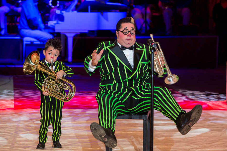 Großer Clown, kleiner Clown: Totti tritt auch mit Sohnemann Charlie (heute 6) wie hier beim Dresdner Weihnachts-Circus auf.