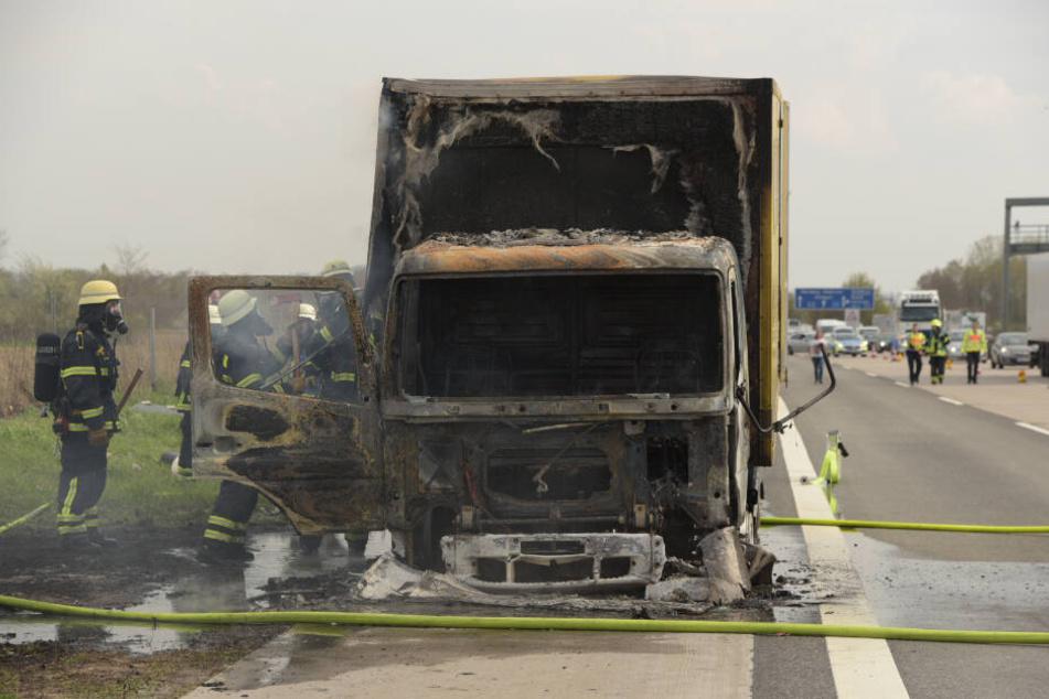 Der LKW-Fahrer schaffte es noch rechtzeitig, auf dem Standstreifen zu halten und sich in Sicherheit zu bringen.