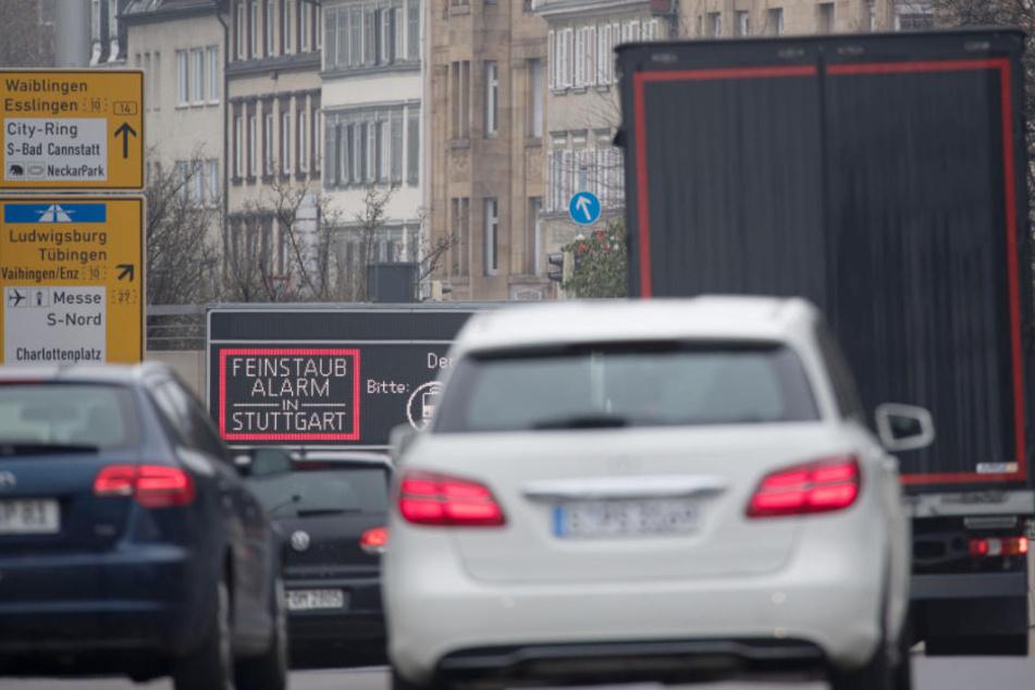 In Zukunft vielleicht nicht mehr zu sehen: Feinstaubalarm in Stuttgart. (Archivbild)