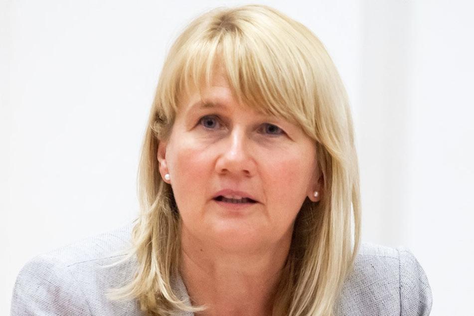 Auch Simone Kalew, als GGG-Chefin  für das Betreiben des CFC-Stadions verantwortlich, warf hin.