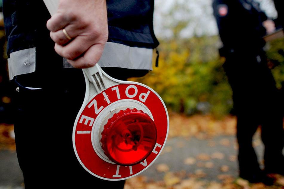 2016 hatte sich Sachsens Polizei wegen der angespannten Personallage nicht am Blitzmarathon beteiligt. 2015 waren 4600 Raser erwischt worden.