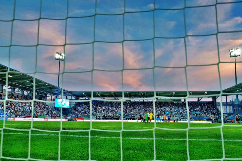 Dunkle Wolken über dem Chemnitzer Stadion. Steht die 27 Millionen teure Arena ab der kommenden Saison leer?