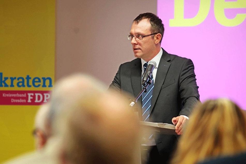FDP-Kreischef Holger Hase (41) fehlen seit Jahren Plakate.