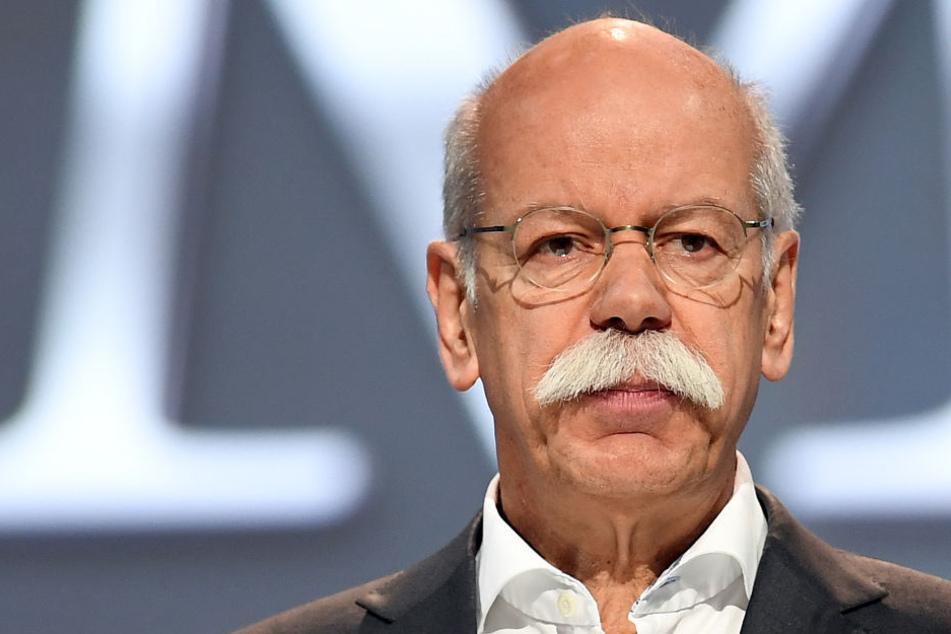 Dieter Zetsche, Vorstandsvorsitzender der Daimler AG, spricht bei der Hauptversammlung des Unternehmens. (Archivbild)