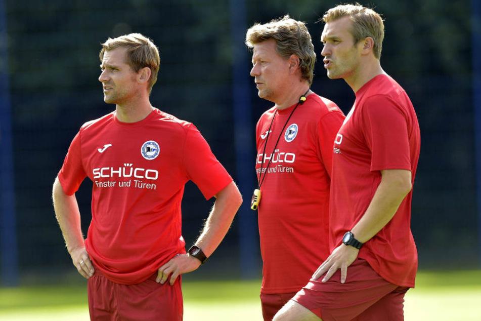 Das Trainerteam funktioniert perfekt: Chef Jeff Saibene (m.) und seine Co Carsten Rump (r.) und Sebastian Hille.