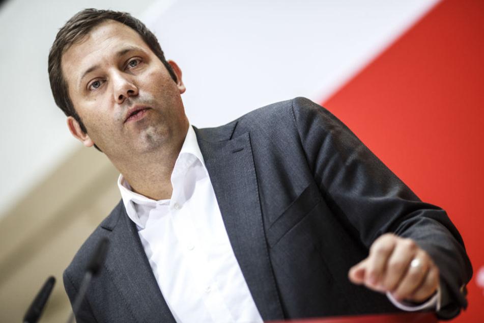 Die Thesen Sarrazins seien nicht mit den Grundsätzen der SPD vereinbar, teilte Generalsekretär Lars Klingbeil am Montag mit.