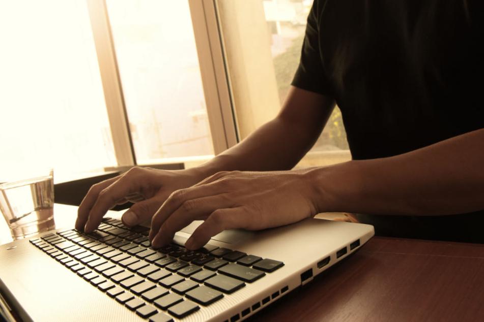 Zufällig stieß der 29-Jährige auf das Facebook-Profil der Sex-Date-Userin. (Symbolbild)