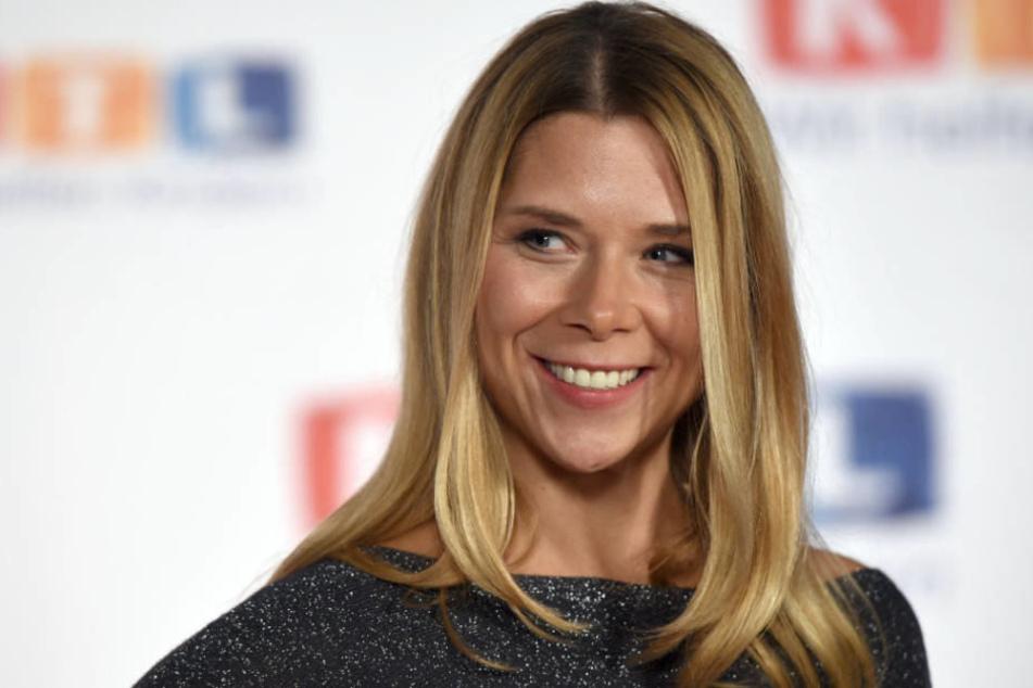 """Hat gut lachen: Tanja Szewczenko scheint auch nach """"Alles was zählt"""" gut im Geschäft zu sein."""
