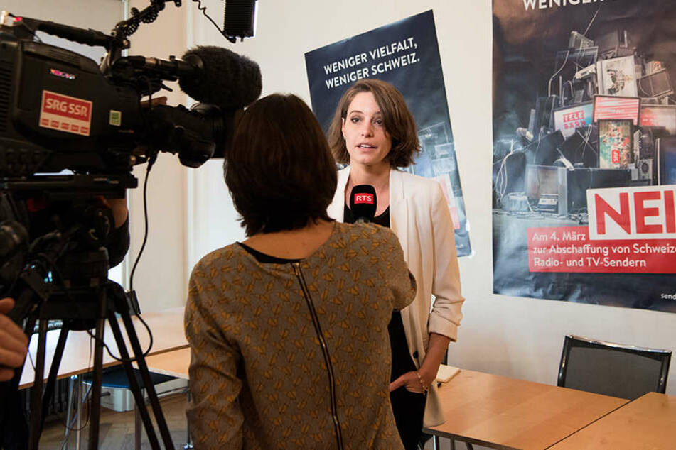 Schweizer für öffentlichen Rundfunk - Reformdruck bleibt