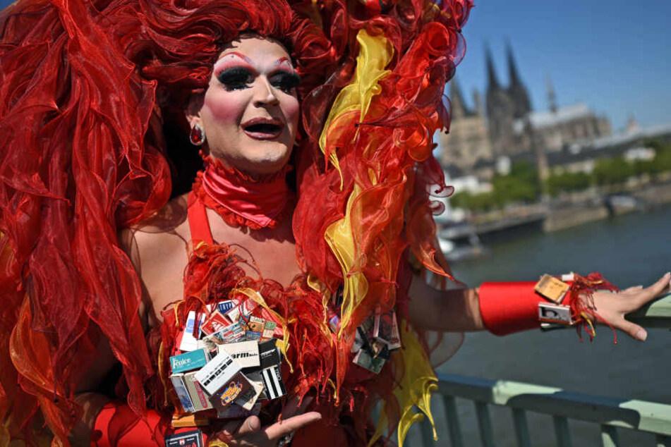 Scherbenhaufen nach Ekstase-Parade: CSD in Köln hat ein Müllproblem