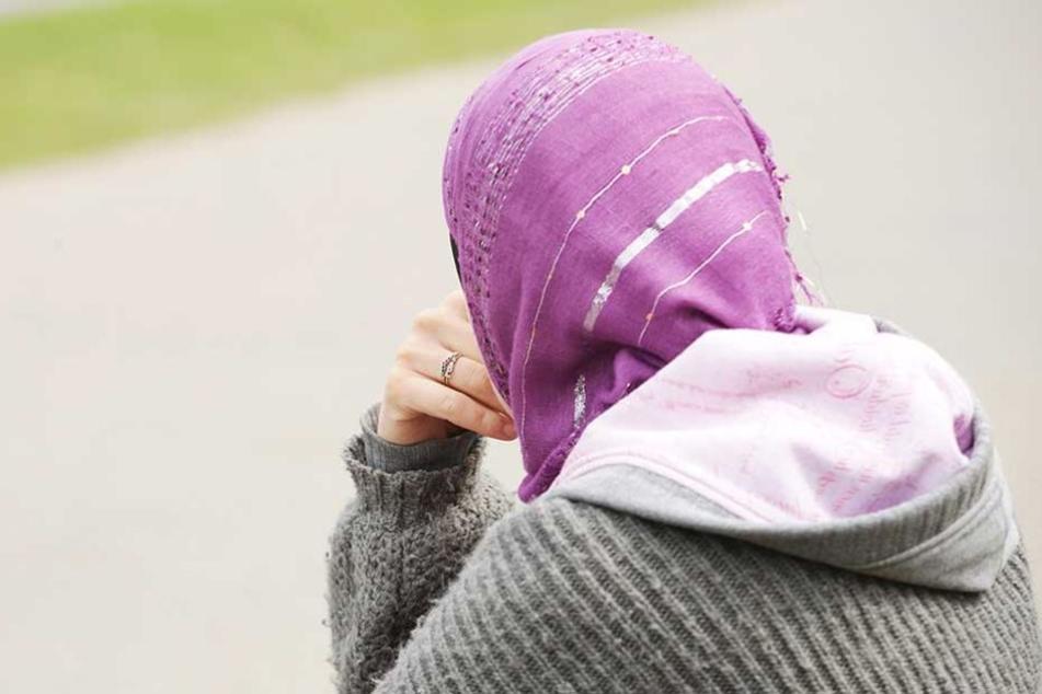 Eine Muslima wurde in Schöneberg beleidigt und angegriffen.